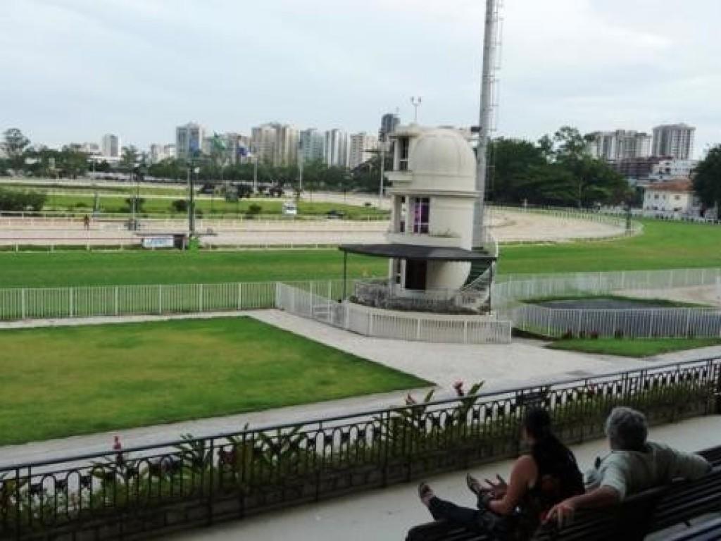 Paralização de caminhoneiros provoca cancelamento das corridas no Jockey Club Brasileiro