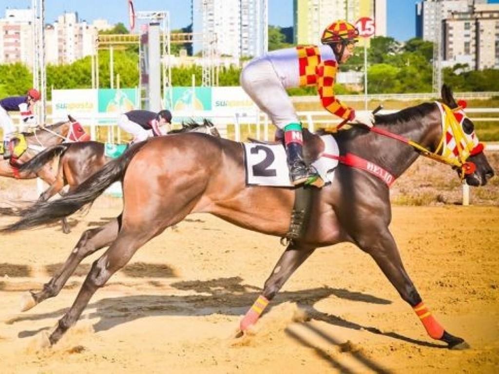 Foto: Janglin supera Amada Alada em Porto Alegre