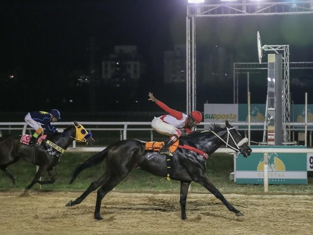 Forte Cheyenne e Fabela vencem em Porto Alegre